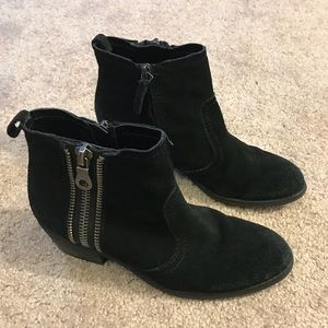 GUESS zip up booties WGSHERELLE-B sz 7M